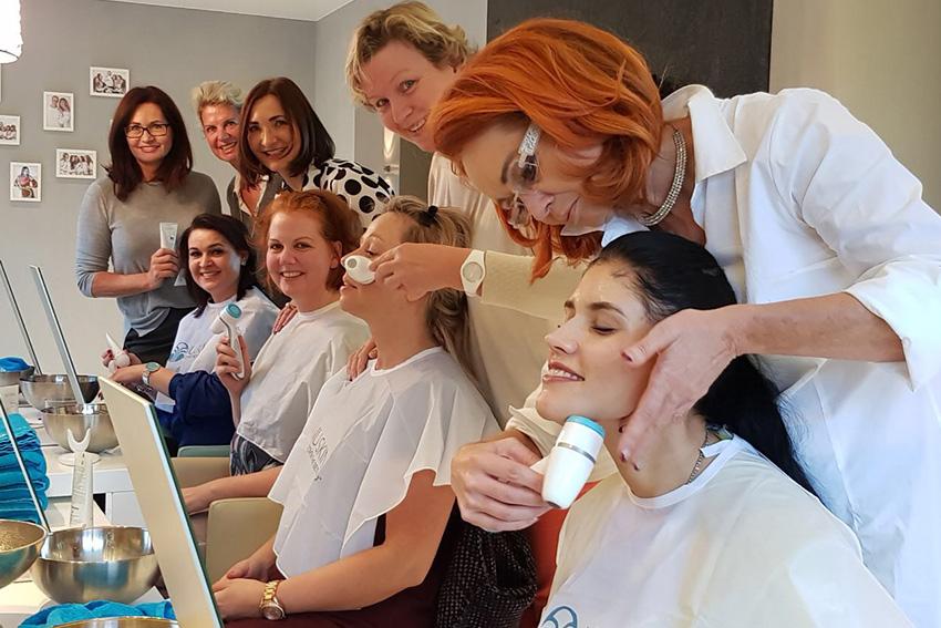 Wir vermitteln Dir das Grundlagen- und Fachwissen das Du brauchst, um NU Beauty Expertin zu werden