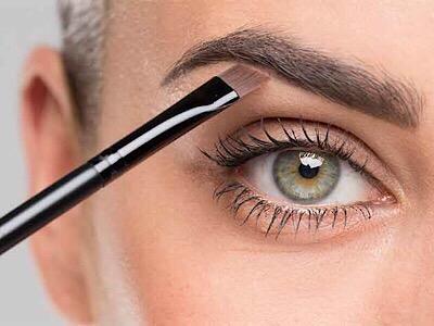 Wie du deine Augenbrauen schminkst