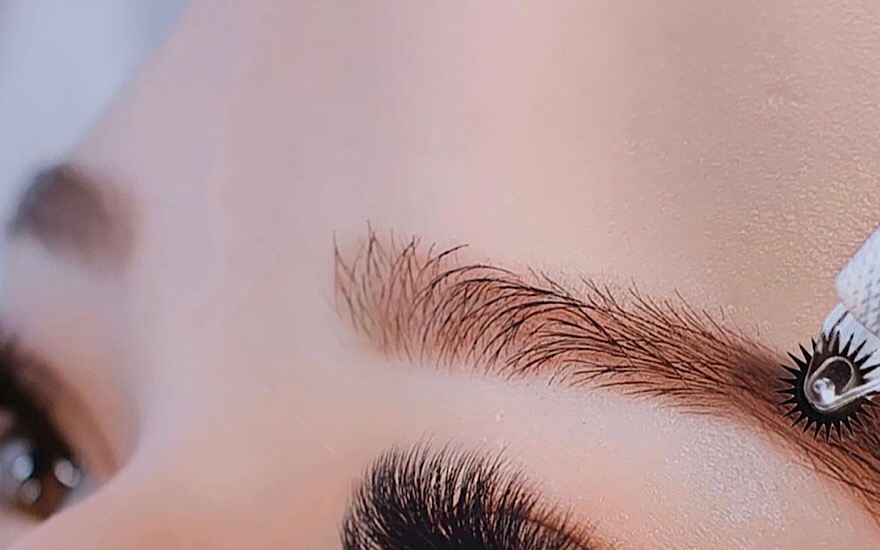 Augenbrauen permanent Rolling Brows